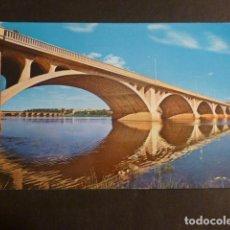 Postales: BADAJOZ PUENTE SOBRE EL RIO GUADIANA. Lote 275071288