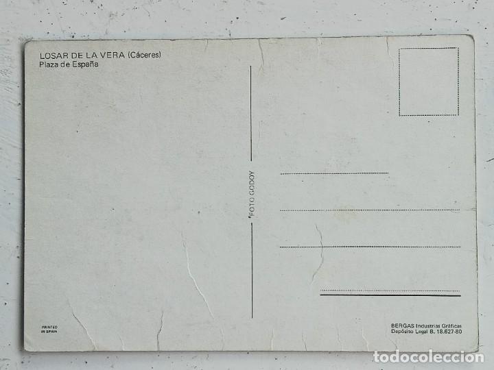 Postales: Losar de la Vera (Cáceres), Plaza de España, Foto Godoy, SEAT 124 y 127 - Foto 2 - 276588508