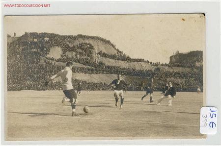 FUTBOL PARTIDO C.F.BARCELONA-SPARTA DE PRAGA AÑO 1921.RICARDO ZAMORA (Coleccionismo Deportivo - Postales de Deportes - Fútbol)