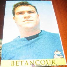 Coleccionismo deportivo: ANTIGUA POSTAL REAL MADRID - BETANCOURT - LIGA TEMPORADA 1967 - 68 - BERGAS INDUSTRIAS GRAFICAS - SI. Lote 11877634
