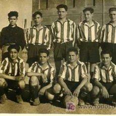 Coleccionismo deportivo: EQUIPO DE FUTBOL DEL SAN FELIU DE LLOBREGAT AÑO 1950. Lote 5181106
