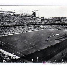 Coleccionismo deportivo: MADRID. N º10 ESTADIO SANTIAGO BERNABEÚ. FUTBOL . ED. ARTÍSTICA ESPAÑOLA. CIRCULADA.. Lote 17376290