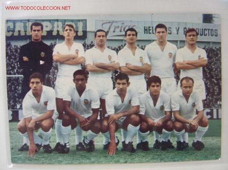 EQUIPO DEL VALENCIA C.F. AÑO 1966 (Coleccionismo Deportivo - Postales de Deportes - Fútbol)