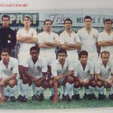 Coleccionismo deportivo: EQUIPO DEL VALENCIA C.F. AÑO 1966. Lote 20037884