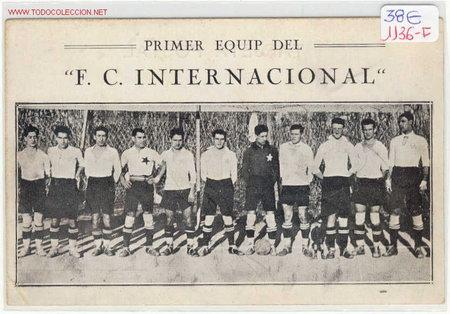 FUTBOL PRIMER EQUIP DEL F.C.INTERNACIONAL BARRIO DE SANS (BARCELONA)AÑOS 20 (Coleccionismo Deportivo - Postales de Deportes - Fútbol)