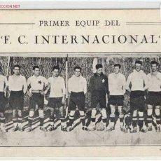 Coleccionismo deportivo: FUTBOL PRIMER EQUIP DEL F.C.INTERNACIONAL BARRIO DE SANS (BARCELONA)AÑOS 20. Lote 1899101