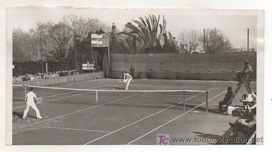 FOTOGRAFÍA ORIGINAL. PARTIDO INTERNACIONAL DE TENNIS LAWN TENNIS CLUB. BARCELONA Y LOS ANGELES LTC (Coleccionismo Deportivo - Postales de Deportes - Fútbol)