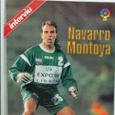 Coleccionismo deportivo: SUPER POSTAL-FICHA * NAVARRO MONTOYA * LAS ESTRELLAS DE LA LIGA 96-97 (29 X 21 CM.). Lote 23761103