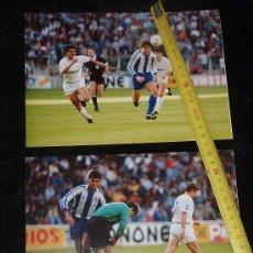 Coleccionismo deportivo: LOTE DE 2 FOTOGRAFIAS ORIGINALES DE FUTBOL. PARTIDO ESPAÑOL - REAL MADRID DEL 19/04/1992. ESPANYOL. . Lote 25149256