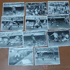 Coleccionismo deportivo: LOTE DE 11 FOTOGRAFIAS ORIGINALES EN BLANCO Y NEGRO DEL BARÇA DE FINALES 80S. PARTIDO BARÇA CELTA . Lote 25119979