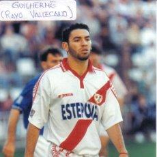 Coleccionismo deportivo: FOTO DE GUILHERME CON EL RAYO VALLECANO - GOLY. Lote 23439252