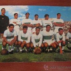 Coleccionismo deportivo: FOTOGRAFÍA - POSTAL DEL ELCHE C.F. --- AÑOS 60. Lote 27396503