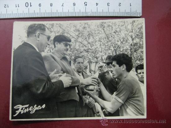 FOTO FUTBOL - VALENCIA C.F. CONTRA - AÑOS 1950-60 (Coleccionismo Deportivo - Postales de Deportes - Fútbol)