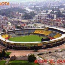 Coleccionismo deportivo: CAMPO DE FÚTBOL - MILLONARIOS Y SANTA FÉ DE BOGOTÁ COLOMBIA - ESTADIO EL CAMPIN NUEVA SIN CIRCULAR . Lote 30414669