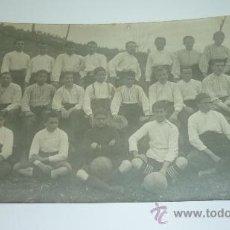 Coleccionismo deportivo: C.D. MASNOU. EQUIPO JUVENIL??. POSTAL FOTOGRÁFICA. AÑOS 1920S. . Lote 30830569