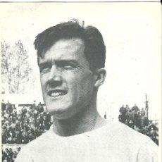 Coleccionismo deportivo: POSTAL DE ROBERTO, VALENCIA C.F., AÑOS 60. Lote 30859574