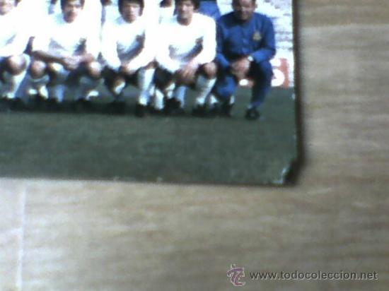 Coleccionismo deportivo: Postal plantilla Real Madrid liga 71 72 sin circular - Foto 2 - 31672463