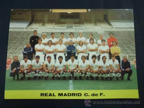 POSTAL REAL MADRID AÑOS 70 PLANTILLA ALINEACIÓN (Coleccionismo Deportivo - Postales de Deportes - Fútbol)