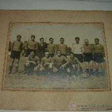 Coleccionismo deportivo: ANTIGUA FOTOGRAFIA...CAMPO R.C.D. ESPAÑOL...GUERRA CIVIL....1939...ESPAÑOL CONTRA RECUPERACION.. Lote 36411366