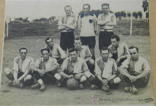 ANTIGUA FOTOGRAFIA ALBUMINA DEL CLUB DE BELLA VISTA DE MONTEVIDEO, URUGUAY, FUTBOL, EXCELENTE FOTOGR (Coleccionismo Deportivo - Postales de Deportes - Fútbol)
