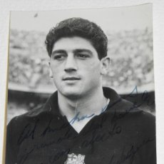Coleccionismo deportivo: ANTIGUA FOTOGRAFIA DEL JUGADOR DEL FUTBOL CLUB BARCELONA, ANDRES RODRIGUEZ SERRANO, CON DEDICATORIA . Lote 37843466