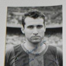 Coleccionismo deportivo: ANTIGUA FOTOGRAFIA DEL JUGADOR DEL FUTBOL CLUB BARCELONA, SIGFRIDO GARCIA ROYO, CON DEDICATORIA Y FI. Lote 37843491