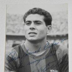 Coleccionismo deportivo: ANTIGUA FOTOGRAFIA DEL JUGADOR DEL FUTBOL CLUB BARCELONA, FERRAN OLIVELLA PONS, CON DEDICATORIA Y FI. Lote 37843498