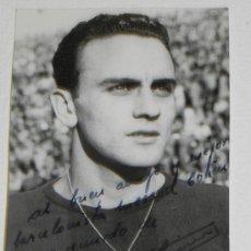 Coleccionismo deportivo: ANTIGUA FOTOGRAFIA DEL JUGADOR DEL FUTBOL CLUB BARCELONA, FOTO RAMON DIMAS, TEMPORADA DE 1960, MIDE . Lote 37843520