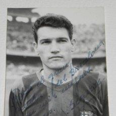 Coleccionismo deportivo: ANTIGUA FOTOGRAFIA DEL JUGADOR DEL FUTBOL CLUB BARCELONA, JOAN SEGARRA IRACHETA, CON DEDICATORIA Y F. Lote 37843537