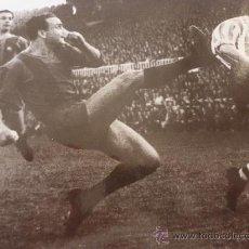 Coleccionismo deportivo: FOTO BIOSCA(1950-1959)F.C.BARCELONA-(18 X 24 CM)-FICHA PAPEL POSTAL GRAN ÀLBUM BARÇA.. Lote 38403555