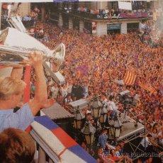 Coleccionismo deportivo: FOTO JA LA TENIM AQUÍ!!1992-F.C.BARCELONA-(18 X 24 CM)-FICHA PAPEL POSTAL GRAN ÀLBUM BARÇA.. Lote 38406604