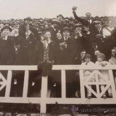 Coleccionismo deportivo: FOTO LOS AÑOS 20-F.C.BARCELONA-(18 X 24 CM)-FICHA PAPEL POSTAL GRAN ÀLBUM BARÇA.. Lote 38408894