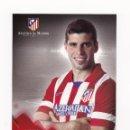 Coleccionismo deportivo: POSTAL 14.5 X 20 CM INSUA (ATLETICO DE MADRID) TEMPORADA 2013 2014 (PRODUCTO OFICIAL). Lote 160864650
