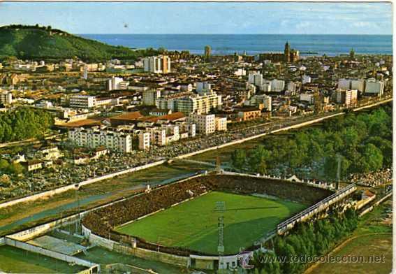 POSTAL ESTADIO DE FUTBOL MÁLAGA. 125 VISTA PARCIAL AÉREA. CIRCULADA. GARCIA GARRABELLA. (Coleccionismo Deportivo - Postales de Deportes - Fútbol)