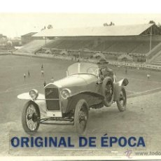 Coleccionismo deportivo: (F-1295)FOTOGRAFIA DE JOSEP SAMITIER F.C.BARCELONA AÑOS 20,CON COCHE Y EN EL CAMPO DE LAS CORTS. Lote 46772148