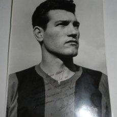 Coleccionismo deportivo: ANTIGUA FOTOGRAFIA DEL JUGADOR DEL FUTBOL CLUB BARCELONA, JOAN SEGARRA IRACHETA, CON DEDICATORIA Y F. Lote 47318263