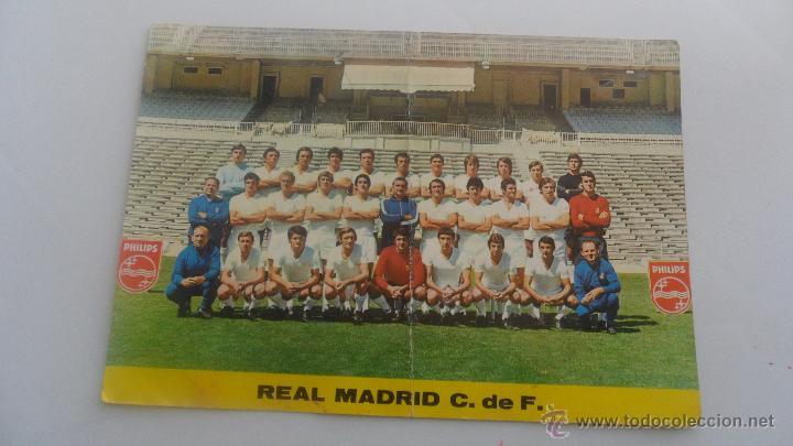 TARJETA POSTAL REAL MADRID PLANTILLA TEMPORADA 72-73 TAMAÑO 14,6CM X 20,08CM (Coleccionismo Deportivo - Postales de Deportes - Fútbol)