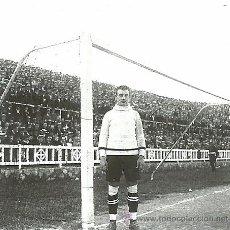 Coleccionismo deportivo: (ES-1210)FOOT-BALL,PORTERO DEL F.C.BARCELONA,PLATKO AÑOS 20,CAMPO DE LAS CORTS. Lote 53335371