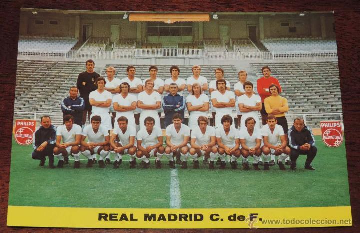 POSTAL GIGANTE PLANTILLA DEL REAL MADRID, TEMPORADA 1973 - 74, MIDE 21 X 14,5 CMS., SIN CIRCULAR (Coleccionismo Deportivo - Postales de Deportes - Fútbol)