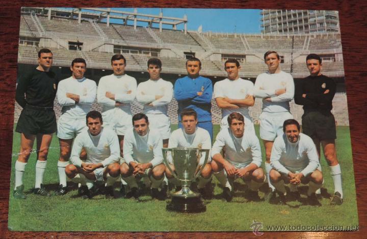 POSTAL GIGANTE PLANTILLA DEL REAL MADRID, CAMPEONES DE LIGA 1966 - 67, MIDE 21 X 14,5 CMS., SIN CIRC (Coleccionismo Deportivo - Postales de Deportes - Fútbol)