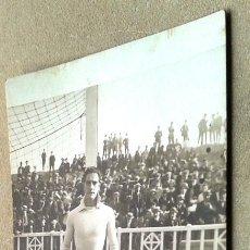 Coleccionismo deportivo: POSTAL ANTIGUA FÚTBOL. PASCUAL. JUGADOR BARCELONA. AÑOS 20. Lote 55232783