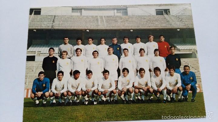 POSTAL DE REAL MADRID PLANTILLA 71 72 (Coleccionismo Deportivo - Postales de Deportes - Fútbol)