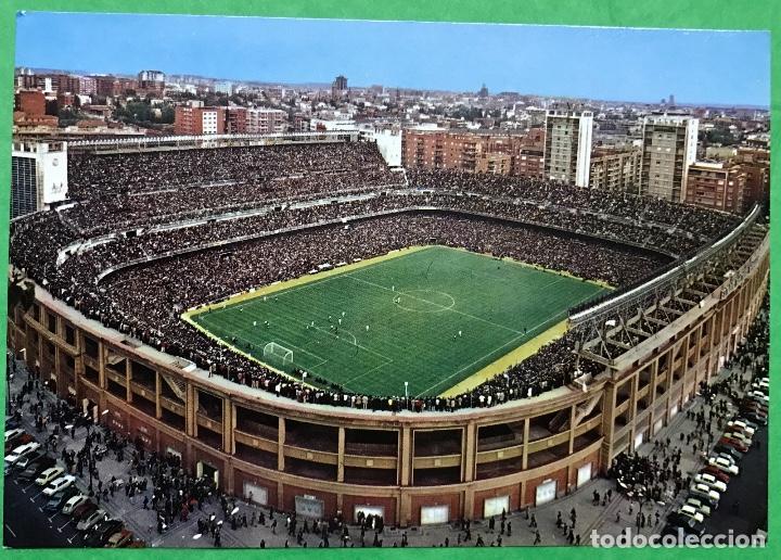 MADRID - ESTADIO SANTIAGO BERNABÉU (DÍA DE PARTIDO) - AÑO 1972 (Coleccionismo Deportivo - Postales de Deportes - Fútbol)