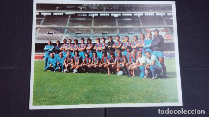 POSTAL DÍPTICA F.C. BARCELONA, TEMPORADA 1973/74 - CON FIRMAS IMPRESAS DE LOS JUGADORES - FOTO SEGUI (Coleccionismo Deportivo - Postales de Deportes - Fútbol)