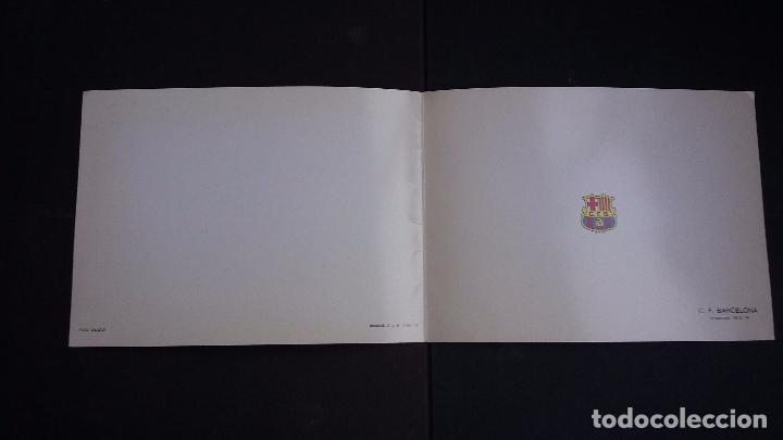 Coleccionismo deportivo: POSTAL DÍPTICA F.C. BARCELONA, TEMPORADA 1973/74 - CON FIRMAS IMPRESAS DE LOS JUGADORES - FOTO SEGUI - Foto 3 - 74336603