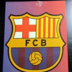 Coleccionismo deportivo: POSTAL FUTBOL POST CARD FOOTBALL F.C. BARCELONA ESCUDO. Lote 74353347