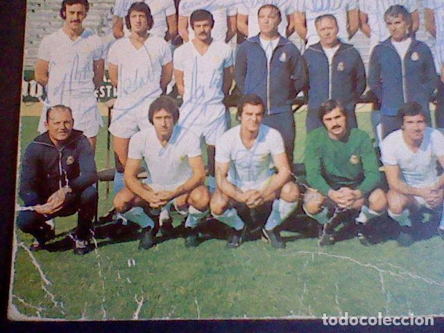 Coleccionismo deportivo: postal tarjeta plantilla real madrid liga 77 78 ed Bergas s/c sobada 28 autografos originales - Foto 3 - 83595428