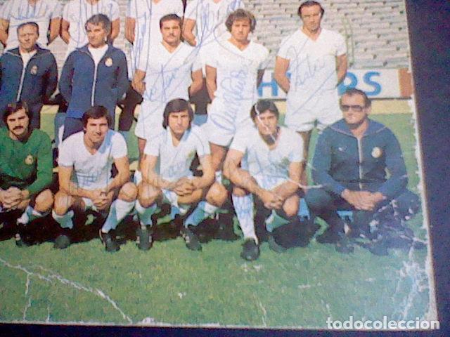 Coleccionismo deportivo: postal tarjeta plantilla real madrid liga 77 78 ed Bergas s/c sobada 28 autografos originales - Foto 4 - 83595428
