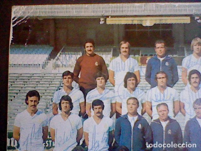 Coleccionismo deportivo: postal tarjeta plantilla real madrid liga 77 78 ed Bergas s/c sobada 28 autografos originales - Foto 6 - 83595428