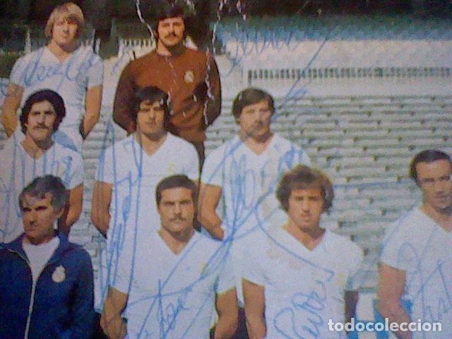 Coleccionismo deportivo: postal tarjeta plantilla real madrid liga 77 78 ed Bergas s/c sobada 28 autografos originales - Foto 8 - 83595428